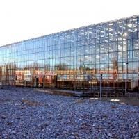 02-20-000-quadratmeter-glas-wurde-fur-die-halle-verarbeitet