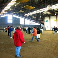 09-die-teilnehmenden-mannschaften-fanden-viel-platz-in-dieser-riesigen-halle