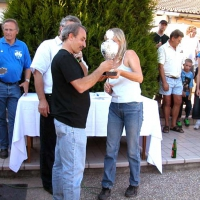 97-rosario-italia-bekommt-den-pokal-uberreicht