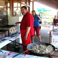 15-klaus-nicklas-stand-2-tage-in-dieser-hitze-am-herd-und-kochte-leckeres-essen
