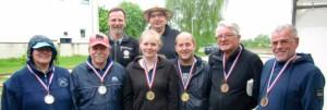 Hans Alves und Peter Zipperling (Turnierleitung), Uta und Hans Wilhelm Goetzke (Platz 2), Lea Mischer und Till Vincent Goetzke (Platz 1), Martin Köpp und Gerhard Labsch (Platz 3)