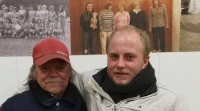 Vater und Sohn bei der Winterrunde